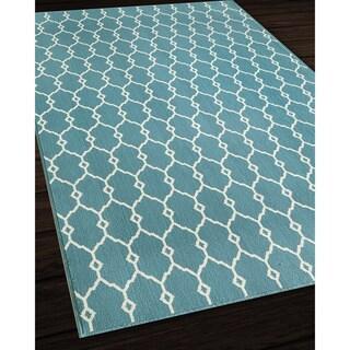 Indoor/ Outdoor Blue Trellis Rug (6'7 x 9'6)