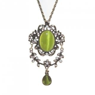 Handmade Green Cat's Eye Glass Necklace (China)