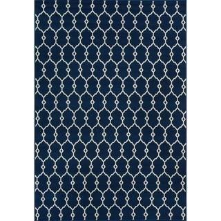 Indoor/Outdoor Navy Trellis Rug (6'7 x 9'6)