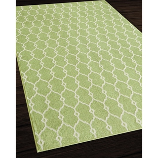 Indoor/Outdoor Green Trellis Rug (8'6 x 13')