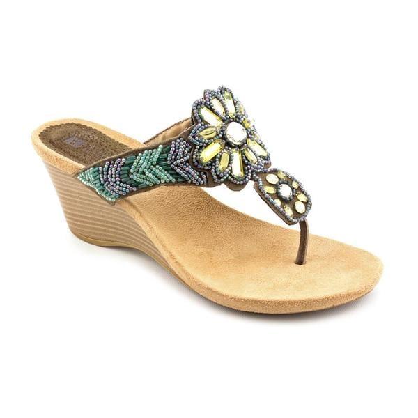 White Mountain Women's 'Neato' Leather Sandals