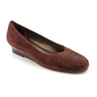 Prevata Women's 'Keep' Regular Suede Dress Shoes - Narrow