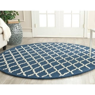 Safavieh Handmade Cambridge Moroccan Navy Wool Rug with Cotton Backing (6' Round)
