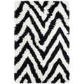 Hand-made Chevron Ivory/ Black Shag Rug (2'6 x 4')