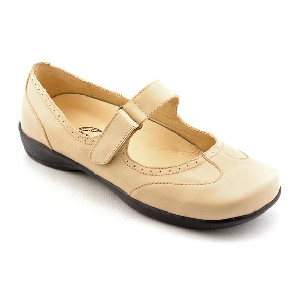 Barefoot Freedom by Drew Women's 'Isabel' Leather Casual Shoes - Wide (Size 5 )