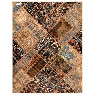 Herat Oriental Pak Persian Hand-knotted Patchwork Multi-colored Wool Rug (4'10 x 6'5)