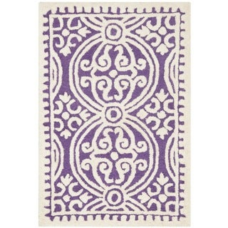 "Safavieh Handmade Cambridge Purple/Ivory Wool Accent Rug (2'6"" x 4')"