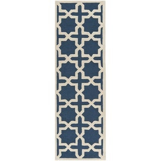 Safavieh Handmade Moroccan Cambridge Navy Blue/ Ivory Wool Rug (2'6 x 14')