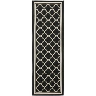 Safavieh Indoor/ Outdoor Courtyard Black/ Beige Runner Rug (2'3 x 18')