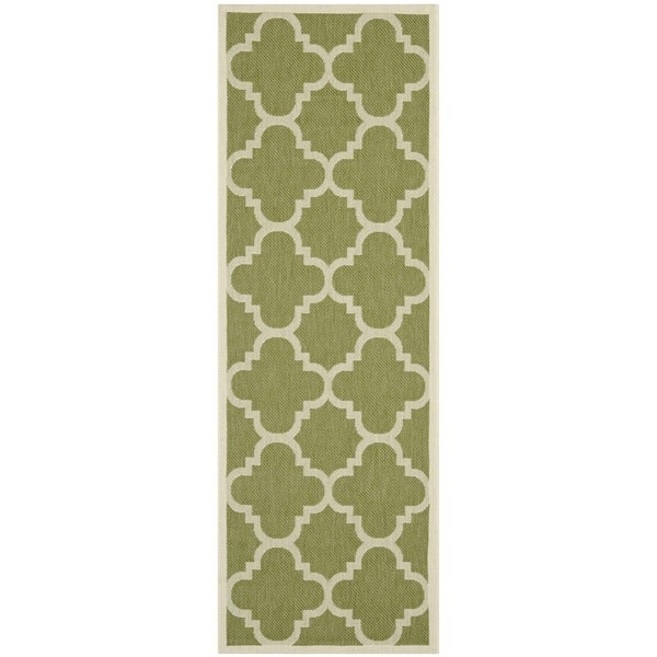 Safavieh Indoor/ Outdoor Courtyard Geometric Green/ Beige Rug (2'3 x 8')