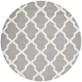 Safavieh Handmade Moroccan Cambridge Silver/ Ivory Wool Rug (4' Round)