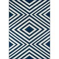 Indoor/ Outdoor Navy Zig-Zag Rug (5'3 x 7'6)