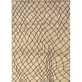 Old World Tribal Ivory Area Rug (9'9 x 12'12)