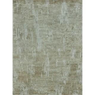 Hand-tufted Omega Sand Rug (5' x 7'6)