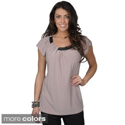 Tressa Collection Women's Short-sleeve Scoop Neck Top