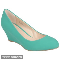 Journee Collection Women's 'Elias-01' Round Toe Sueded Wedge