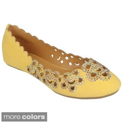 Journee Collection Women's 'Lula-25' Cut-out Round Toe Flats