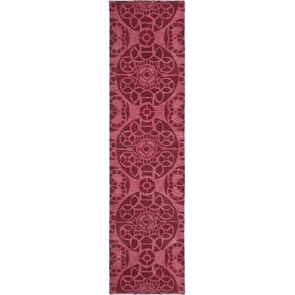 Safavieh Handmade Wyndham Red Wool Rug (2'3 x 7')