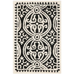 Safavieh Handmade Moroccan Cambridge Black/ Ivory Wool Rug (2'6 x 4')