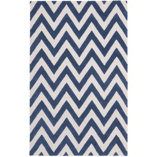 Safavieh Handmade Moroccan Cambridge Chevron Navy Wool Rug (6' x 9')
