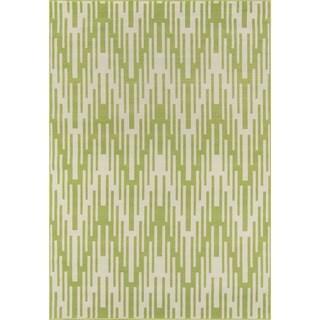 Indoor/Outdoor Green Ikat Area Rug (3'11 x 5'7)