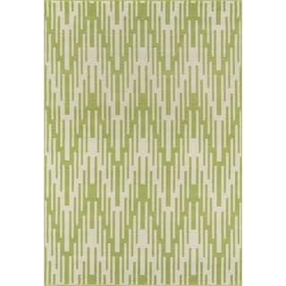 Indoor/ Outdoor Green Ikat Rug (5'3 x 7'6)