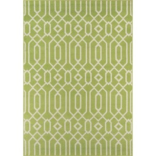 Indoor/Outdoor Green Links Area Rug (5'3 x 7'6)