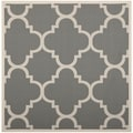 Safavieh Indoor/ Outdoor Courtyard Gray/ Beige Polypropylene Rug (7'10 Square)