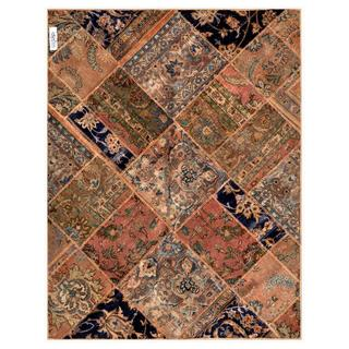 Pak Persian Hand-knotted Patchwork Peach/ Pink Wool Rug (4'10 x 6'4)