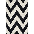 Safavieh Handmade Moroccan Cambridge Chevron Black Wool Rug (2' x 3')