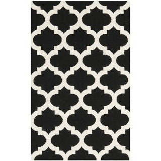 Safavieh Hand-woven Moroccan Reversible Dhurrie Black Wool Rug (4' x 6')