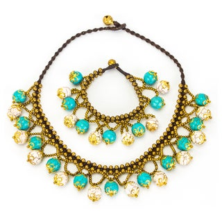 Thai-handicraft White and Blue Turquoise Necklace and Bracelet Set (Thailand)