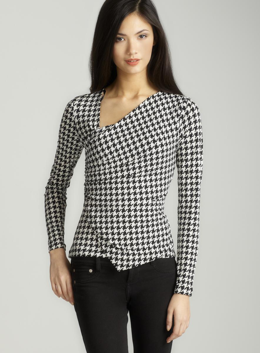 Vince Camuto Petite Long sleeved houndstooth top