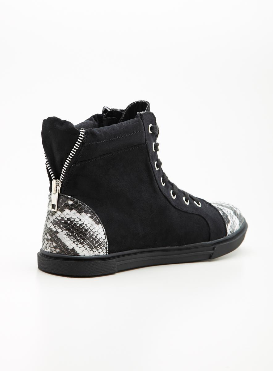 Wanted Varick Sneaker With Studs