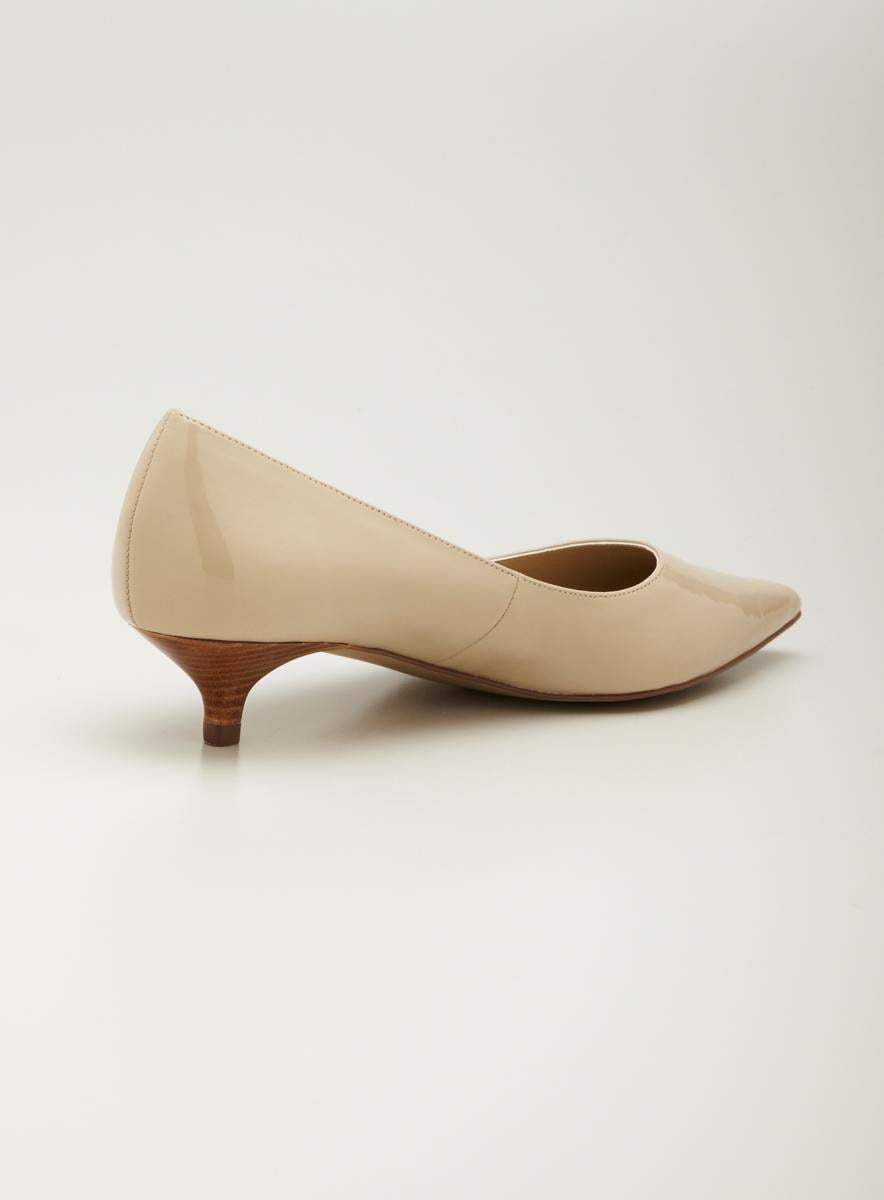 Ellen Tracy Kitten Heel Pump