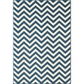 Indoor/Outdoor Navy Chevron Rug (5'3 x 7'6)