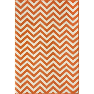 Indoor/Outdoor Orange Chevron Rug (7'10 x 10'10)