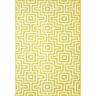 Indoor/Outdoor Green Retro Rug (8'6 x 13')