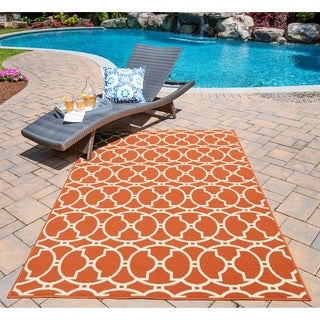 Moroccan Tile Orange Indoor/ Outdoor Rug (6'7 x 9'6)