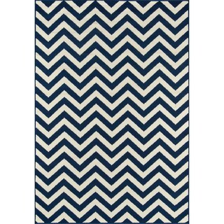 Indoor/ Outdoor Chevron Navy Rug (8'6 x 13')