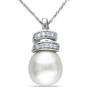 Miadora 10k White Gold South Sea Pearl 1/10ct Diamond Necklace (10-10.5 mm) (H-I, I2-I3)