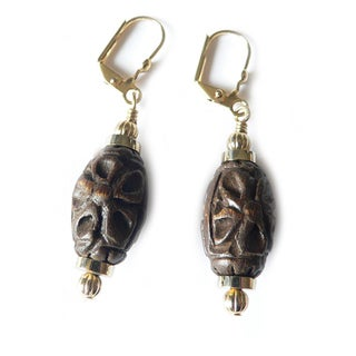 'Minnie' Jujube Wood Dangle Earrings