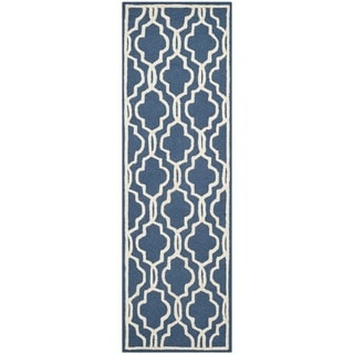 Safavieh Handmade Moroccan Cambridge Navy/ Ivory Wool Rug (2'6 x 6')