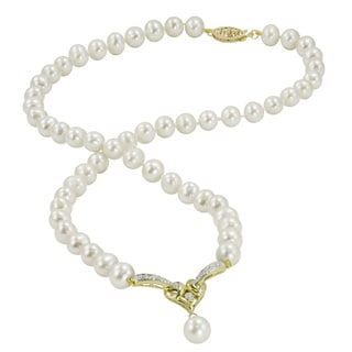 10k Yellow Gold White Freshwater Pearl Strand and Diamond Heart Pendant Necklace (6-6.5 mm, 7-7.5 mm)