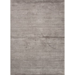 Hand-loomed Solid Pattern Grey/ Black Rug (5' x 8')