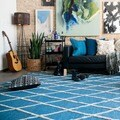 Handcrafted Lennon Azure Wool Rug (5'0 x 7'6)
