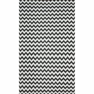 nuLOOM Flatweave Indoor/ Outdoor Reversible Chevron Black Rug (8' x 10')