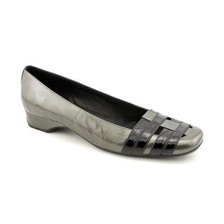 Renzo Fontanelli Women's 'Pomme' Patent Leather Casual Shoes - Wide (Size 6.5 )
