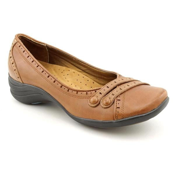 Hush Puppies Women's 'Burlesque' Leather Casual Shoes - Wide (Size 7.5 )