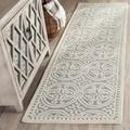 Safavieh Handmade Moroccan Cambridge Silver Wool Rug (2'6 x 10')